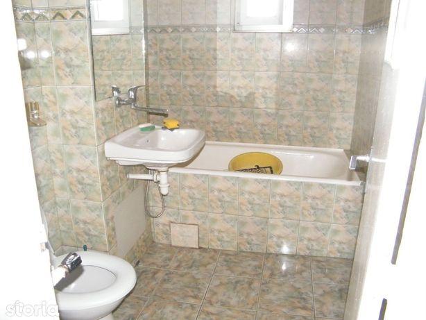 Apartament 2 decomandate Rovine N.Iorga (Posta)