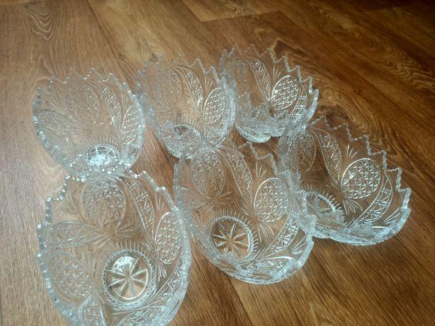 Продам набор под хрусталь вазы 6 штук  2990 тенге новые