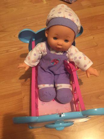 Bebeluș cu patut