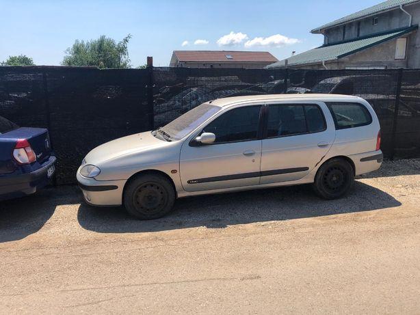 Dezmembrez Renault Megane 2001