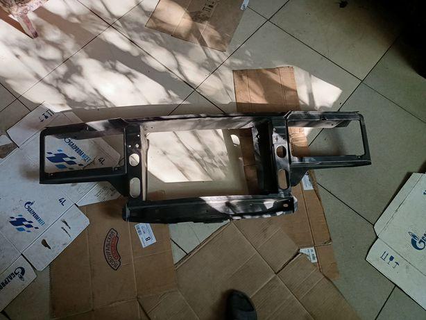 Рамка радиатора телевизор 2105