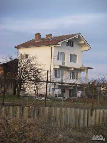Триетажна  Къща с.Загоре