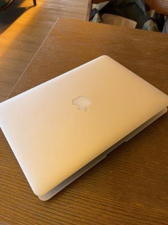 Macbook Air, диагональ 13, 2017