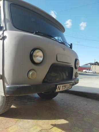 Продам УАЗ Буханка 22069.