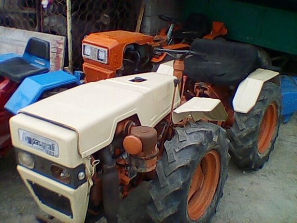 Tractor agricol articulat