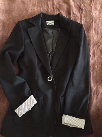Пиджак, пальто, юбка, джинсы, платья и костюм  на стройную девушку