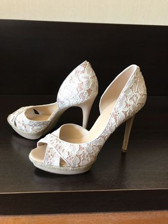 Дамски отворени обувки