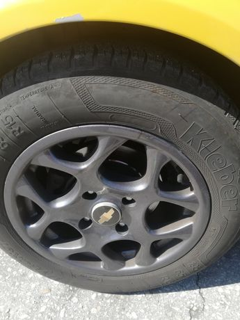 Авто гуми и алуминиеви джанти.