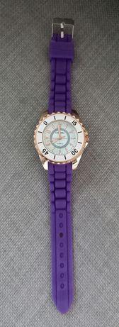 Часовник с мека верижка