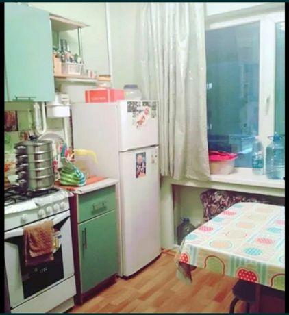 Кухонный гарнитур в отличном состояний