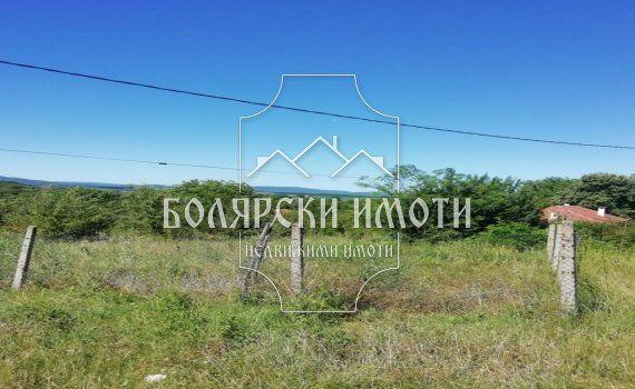 Южен парцел в село Присово