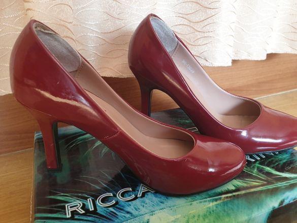 Червени обувки Riccardo Farini
