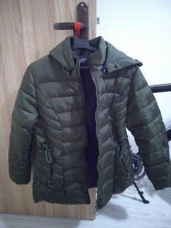 Зимно яке в камуфлажно зелено