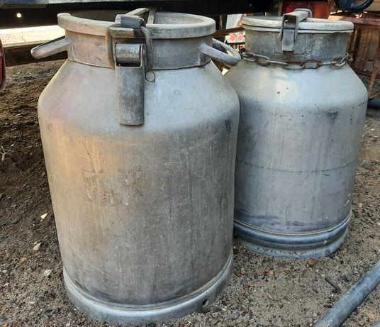 Продам бидоны из под питьевой воды.