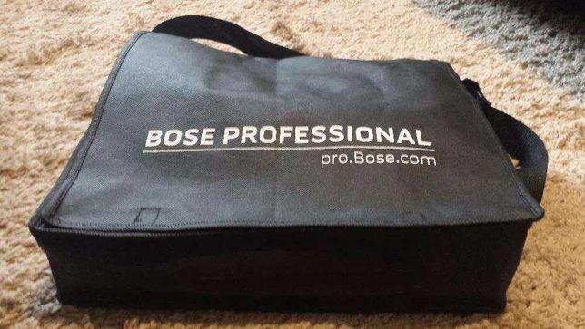 Sacosa geanta tip umar Bose Professional cu curea reglabila la lungime