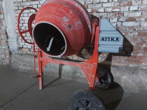 Inchiriez :  betoniera 180 litri