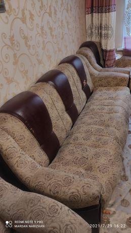Продам гостиной диван