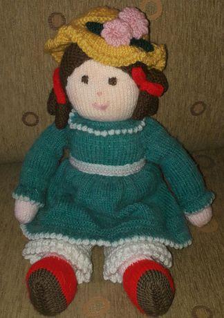 Ръчно изработена плетена кукла