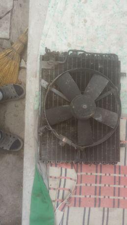 Радиатор кондиционера на БМВ м 50