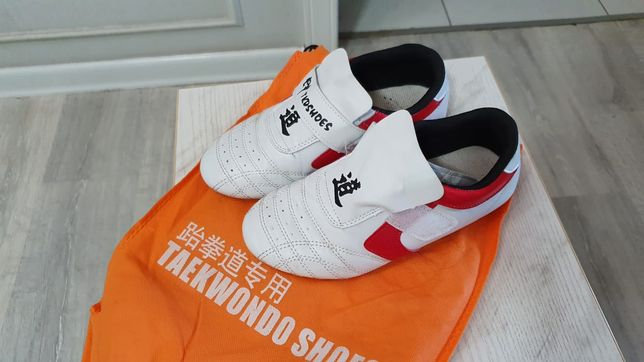Соги, обувь для Тхэквондо.