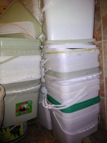 Пластмасови кофи от сирене