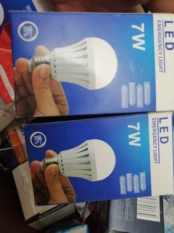 Аккумуляторная светодиодная лампа  лампочки 7 ватт