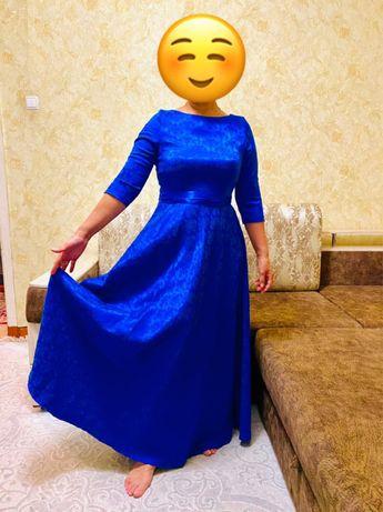 Продаю очень нарядное платье