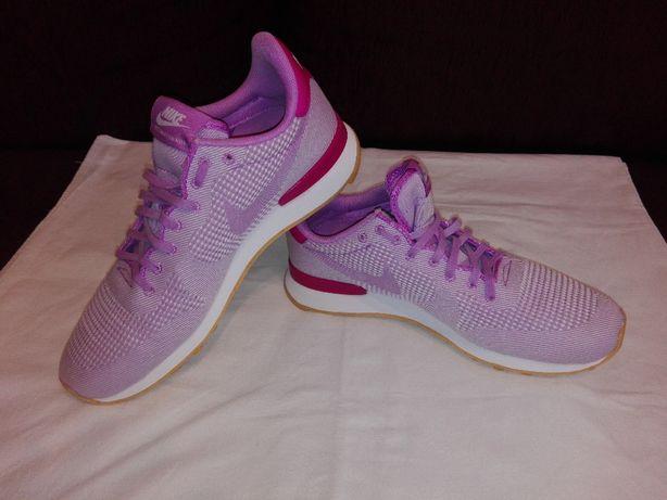 Adidasi Nike Internationalist,Marimea 40!ORIGINALI!IMPECABILI!CA NOI!