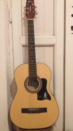 Гитара музыкальный инструмент