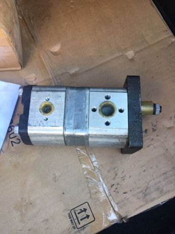 Pompa hidraulica tractor 1010