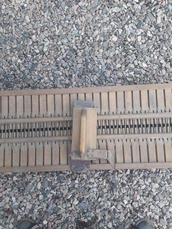 Деревянная вязальная машинка