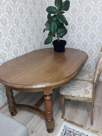 Продам стол и 6 стульев.