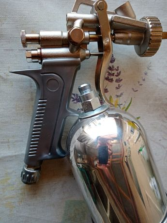Vînd pistol de vopsit