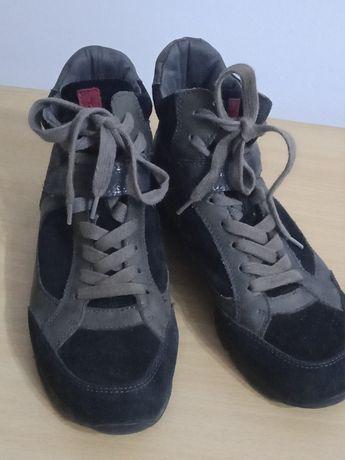 Продам кроссовки замшевые, фирменные - TAMARIS.