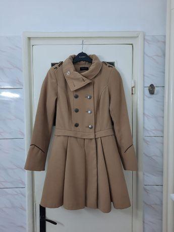 Palton dama crem model stil army cu epoleti marimea XS / S - Nou