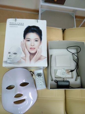 Продам косметологическую LED маску для светотерапии