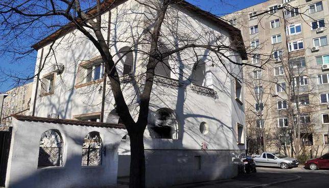 Vila Podul Grant, spatiu comercial, 250 mp + 130 curte libera