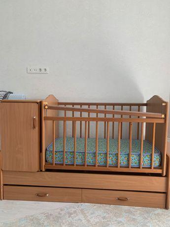 Деткая кровать манеж