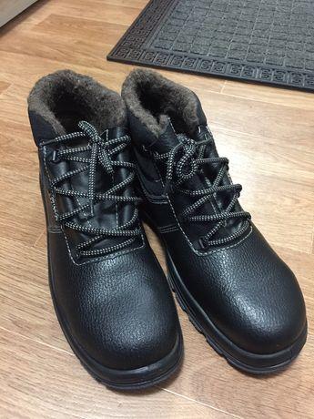Продам новые зимние рабочие ботинки