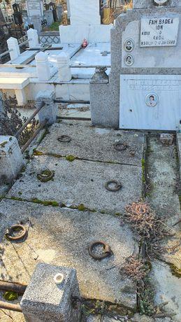 Racla cu 3 niveluri in cimitir Bolovani, pozitie buna