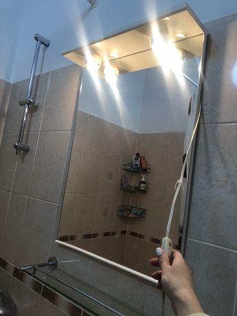 Раковина с тумбой, зеркало и шкафчик в ванную