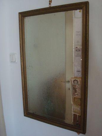 Oglindă veche