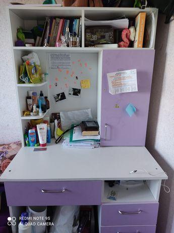 Стол письменный для ученицы