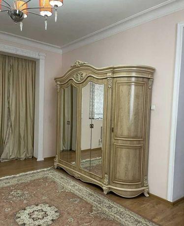 Продам спальни гарнитур
