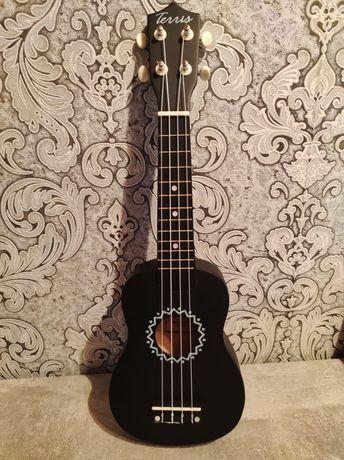 Продам гитару укулели