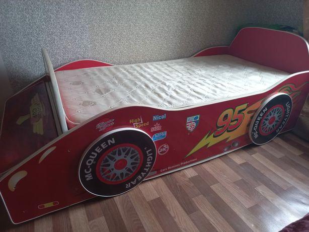 Продам кровать машинку