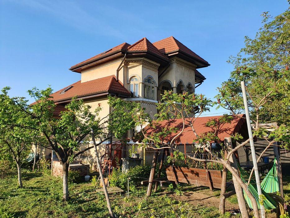 Vând vilă în cartierul Odaia! Turnu Magurele - imagine 1