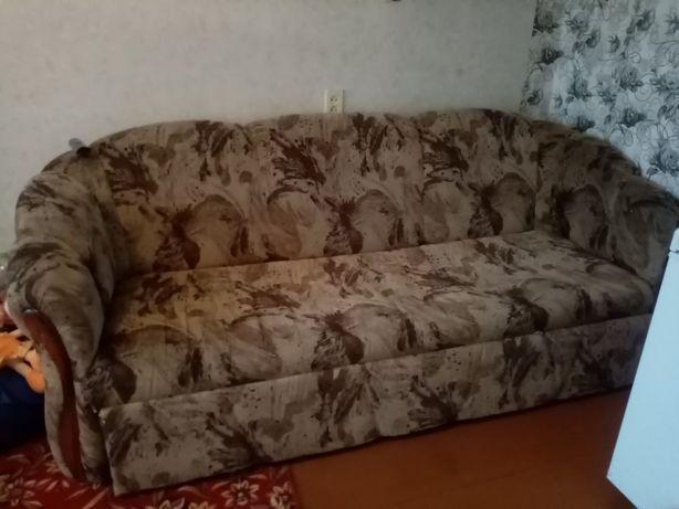 продам диван 15000т