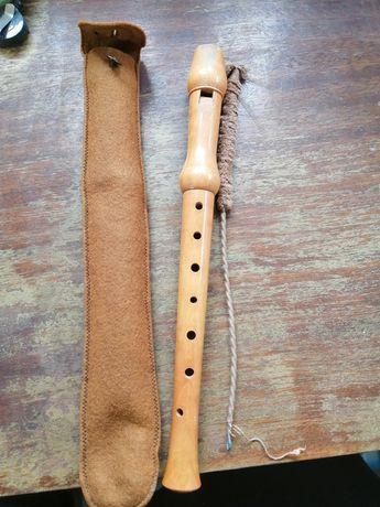 Кавал или флейта в добро състояние.