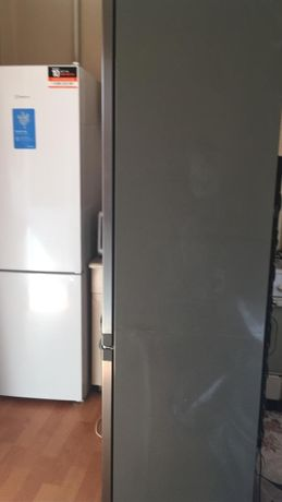 Продаю холодильник на запчасти, electrolux